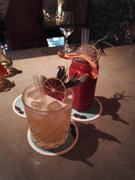 Le Last Call et le Tiger Snapper, des cocktails aussi beaux que bons. Crédits photo : Claire Gervais