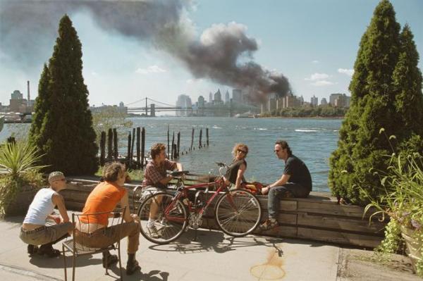 Brooklyn, New-York, Etats-Unis, 11 septembre 2001, ©Thomas Hoepker / Magnum Photos