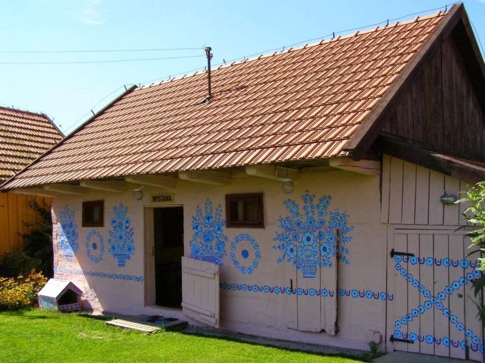 zalipie_poland_painted_village_flowers_14