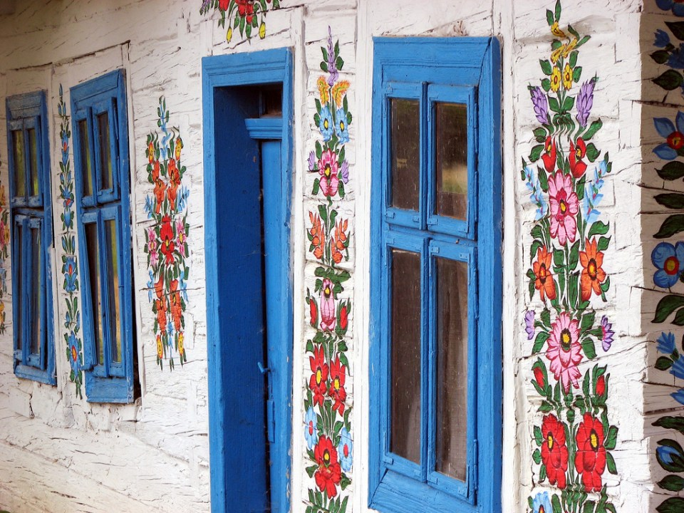 zalipie_poland_painted_village_flowers_29