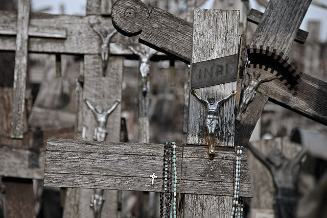hill-of-crosses4