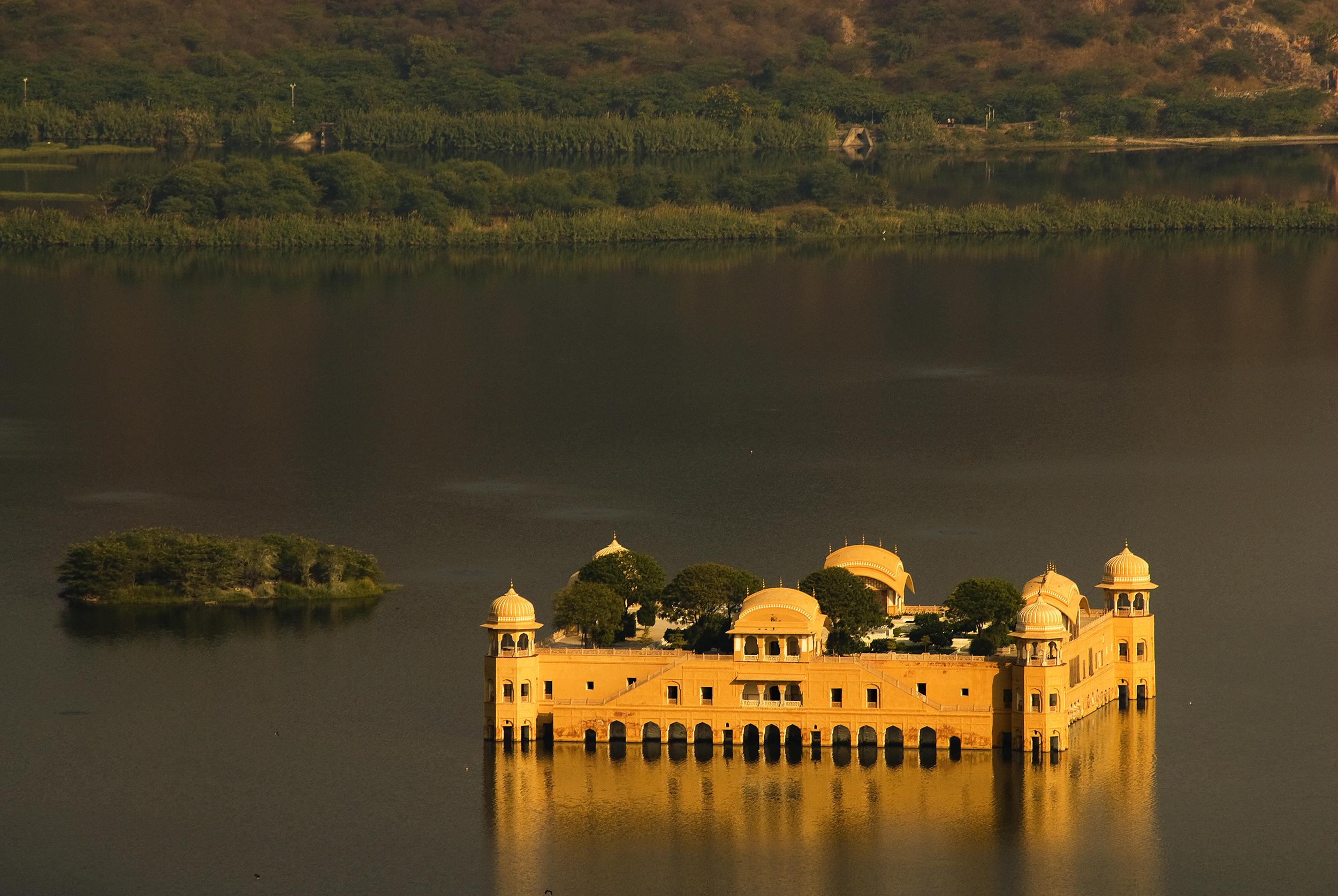 An Indian Wonder Hidden Under Water The Jal Mahal Palace