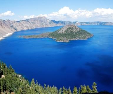 Crater Lake, Oregon Photo by worldofarun/Flickr