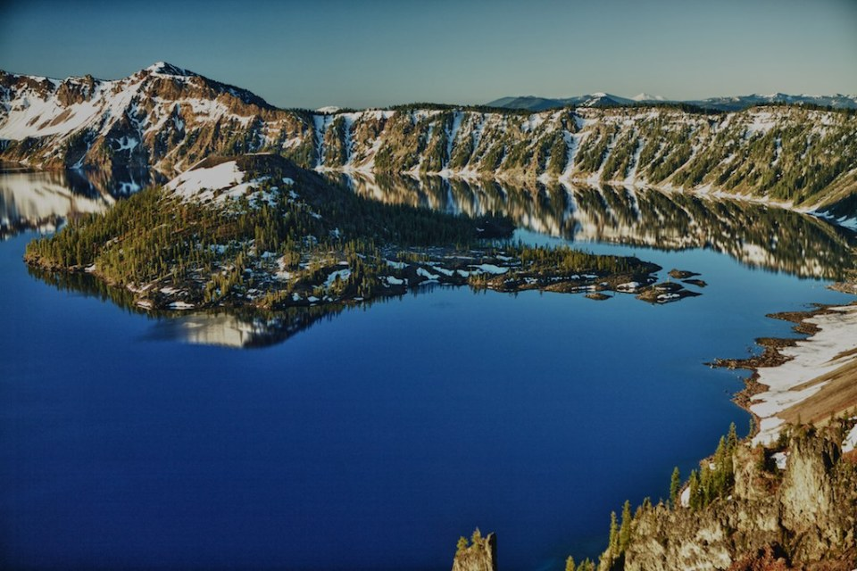 Crater Lake and Wizard Island at dawn Photo by  Anthony Maw/Flickr