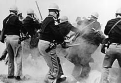 Bloody Sunday - Alabama police attack Selma-to...