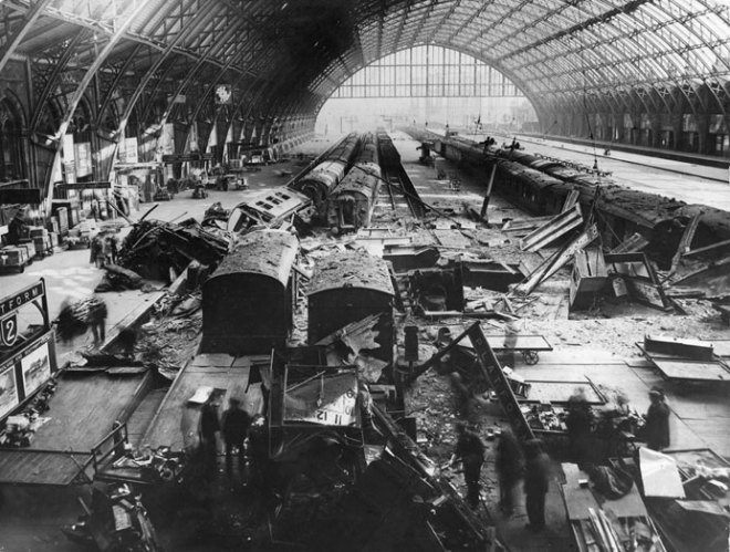 http://i1.wp.com/upload.wikimedia.org/wikipedia/commons/4/47/St_Pancras_railway_station_bomb_damage_in_May_1941.jpg?resize=660%2C499&ssl=1