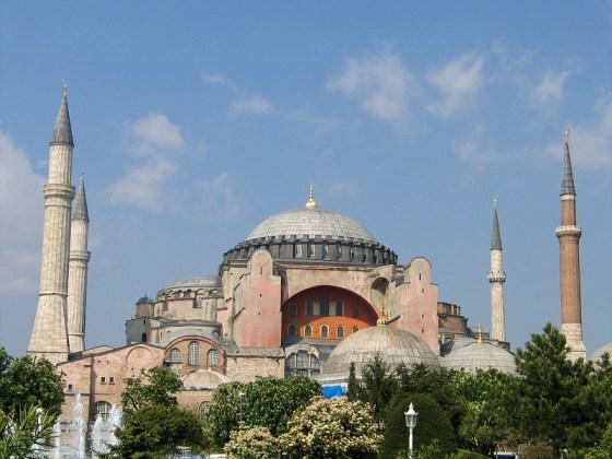 Hagia Sophia z dobudowanymi przez muzułmanów czterema minaretami