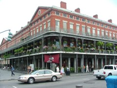 The Pontalba Apartments surrounding Jackson Square