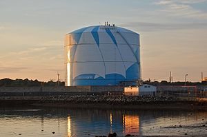English: A liquefied natural gas storage facil...