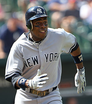 Curtis Granderson running during a game betwee...
