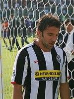 http://i1.wp.com/upload.wikimedia.org/wikipedia/commons/thumb/2/29/Alessandro_Del_Piero_Juventus.jpg/180px-Alessandro_Del_Piero_Juventus.jpg?resize=149%2C199