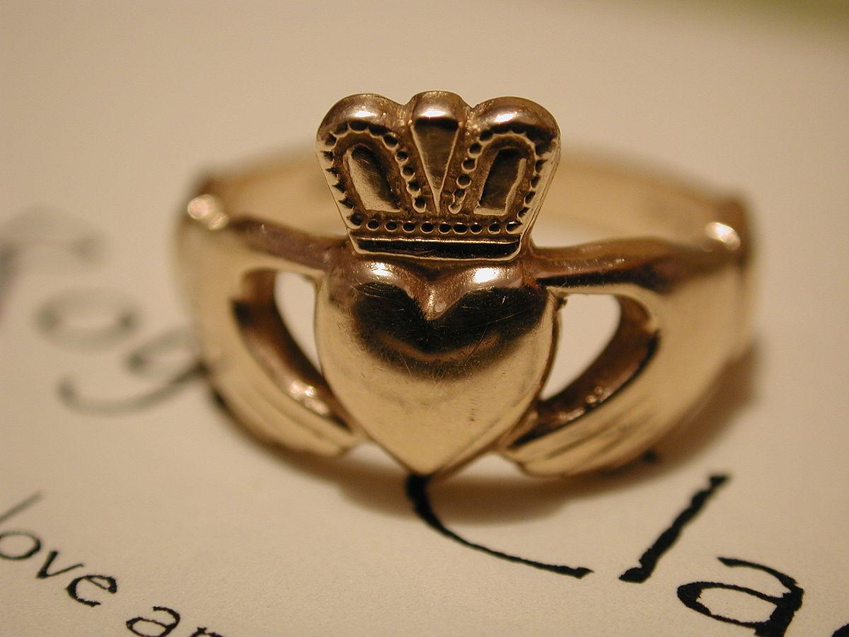 Claddagh ring irish wedding rings