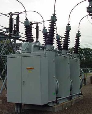 English: High Voltage (115kV) Oil Insulated Ci...