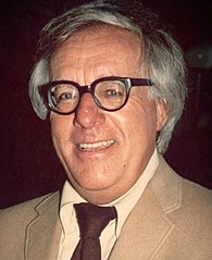 http://i1.wp.com/upload.wikimedia.org/wikipedia/commons/thumb/6/69/Ray_Bradbury_%281975%29_-cropped-.jpg/195px-Ray_Bradbury_%281975%29_-cropped-.jpg