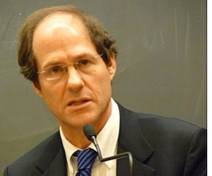 English: Cass Sunstein Speaking at Harvard Law...