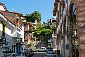 English: Photo of street in Puerto Vallarta, J...