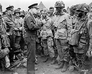 Eisenhower speaks with U.S. paratroops of the ...