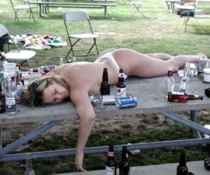 21 Drunk Photos Only True Friends Would Take
