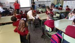 PROYECTO EDUCATIVO: CHARLA DE UPROCANES &PASION 4 DOGS Y ASOCIACIÓN SOLUCAR