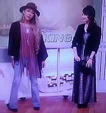 ゲンキングスッキリ!!ポンチョとフリンジでネオ70年代秋のファッションコーデは決まり!