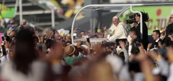 Pope Francis Condemns 'Dealers of Death', Brings Message of Hope to Gritty Mexico
