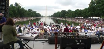 "Atheists Gather In DC to Take Part In ""Reason Rally"""