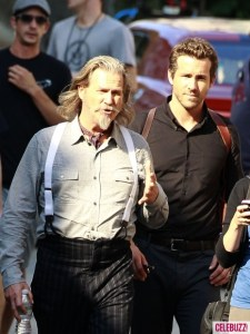 Ryan-Reynolds-and-Jeff-Bridges-On-R_I_P_D_-Set-435x580