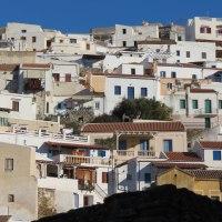 Rewarding stops at Chora or Ioulida  of the Cycladic island of Kea