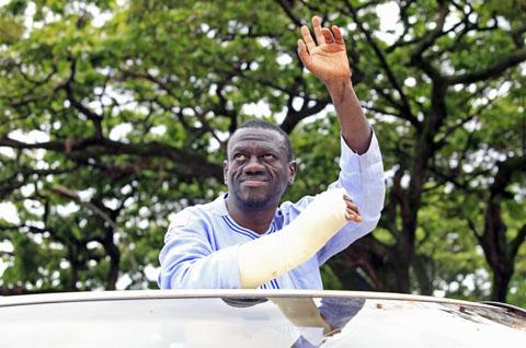 kizza-besigye_reuters_28april20111.jpg