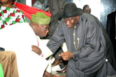 Reuben Abati  vs Fani-Kayode on President Jonathan, Obasanjo and corruption