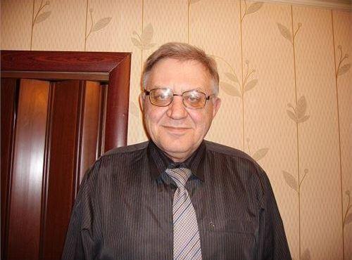 Алянчиков Юрий Викторович, преподаватель, тел: 8 (902) 226-13-81