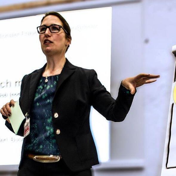 Vortrag zum Int. Frauentag. Bild: Terex