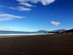 Une plage juste pour nous au bord de la route
