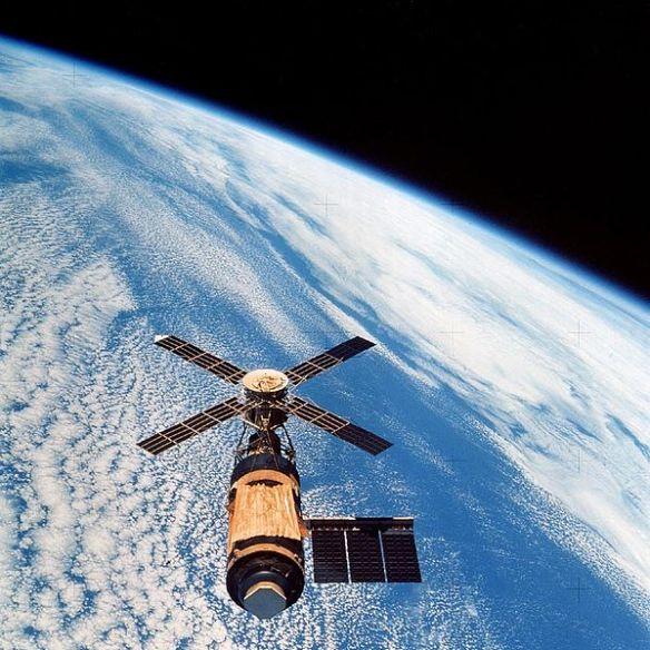 Uzay yarışı döneminde sovyetler birliği in salyut 1 uzay