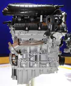 Ford 3.7L Mustang V6 Engine Cutaway
