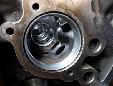 Deswegen gibt es für den 351cui-Motor neue Nockenwellenlager...