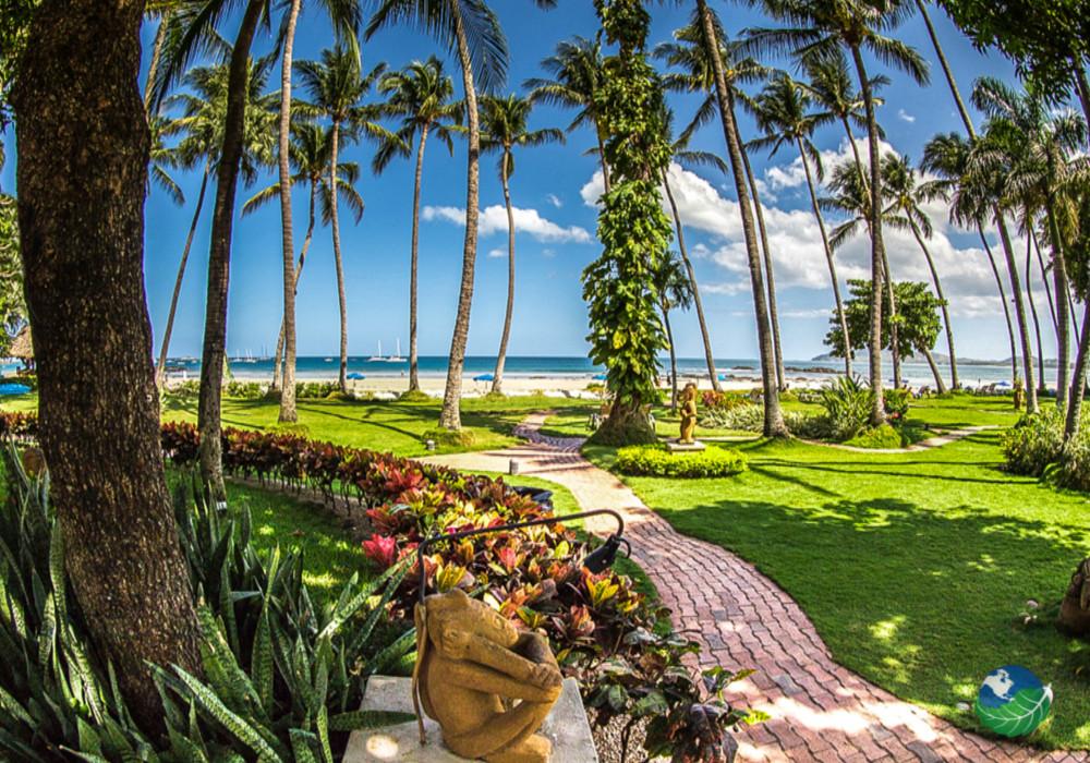 Tamarindo Diria Beach Resort Garden