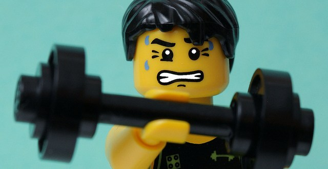 Lego-weight-lifter1