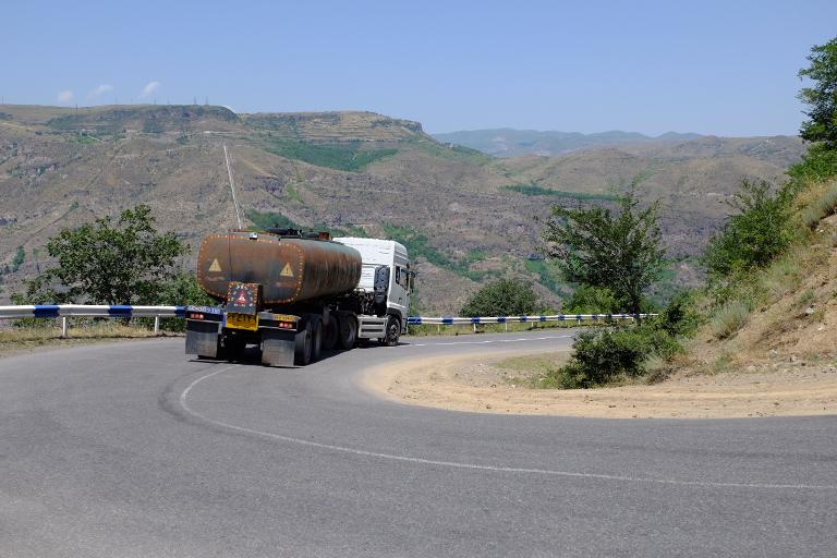 Veel Iraanse trucks op de weg