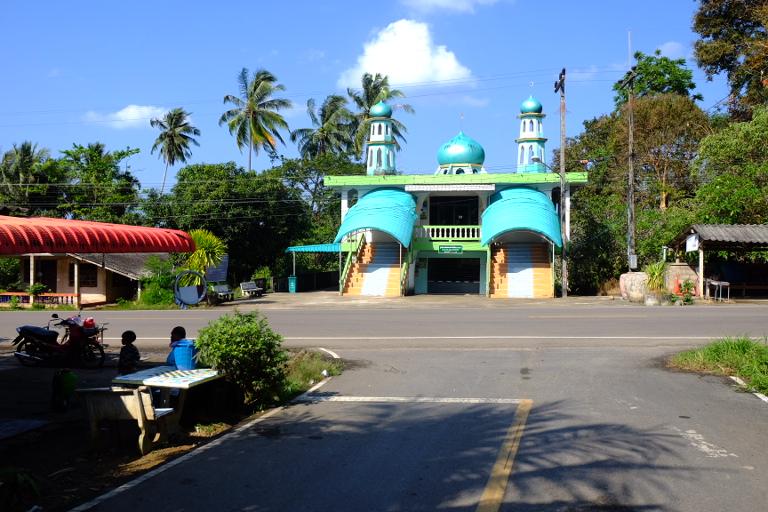 Zuid Thailand is al deels islamitisch.  Voorproefje voor Maleisië.