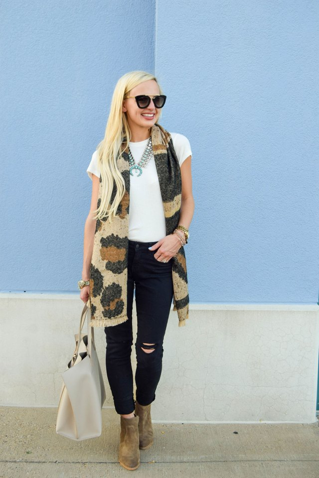 vandi-fair-blog-lauren-vandiver-dallas-texas-southern-fashion-blogger-nordstrom-anniversary-sale-BP-high-lowstretch-knit-white-tee-destroyed-black-skinny-jeans-4