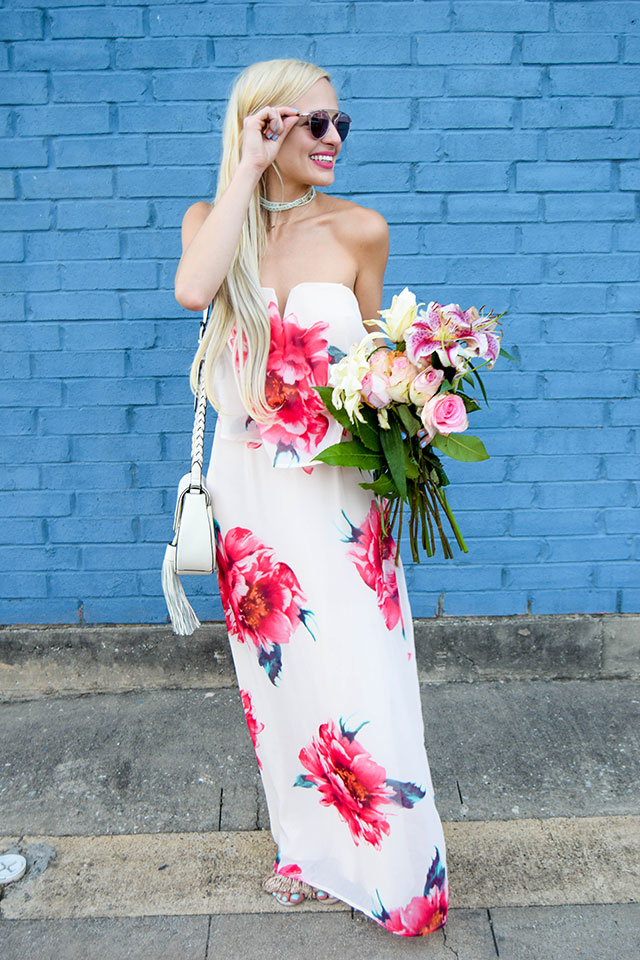 vandi-fair-blog-lauren-vandiver-dallas-texas-southern-fashion-blogger-nordstrom-way-in-strapless-popover-floral-maxi-dress-pink-dior-so-real-sunglasses-rose-11