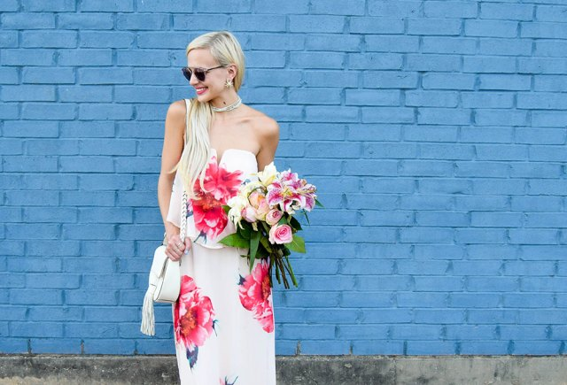 vandi-fair-blog-lauren-vandiver-dallas-texas-southern-fashion-blogger-nordstrom-way-in-strapless-popover-floral-maxi-dress-pink-dior-so-real-sunglasses-rose-6