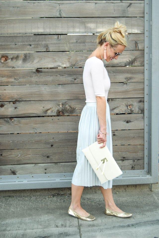 vandi-fair-blog-lauren-vandiver-dallas-texas-southern-fashion-blogger-topshop-boutique-asymmetrical-ribbed-bodysuit-pink-pleated-jersey-midi-skirt-light-blue-10