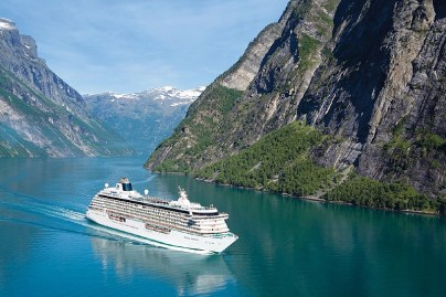 5 Reasons you Should Experience a Luxury Expedition Cruise