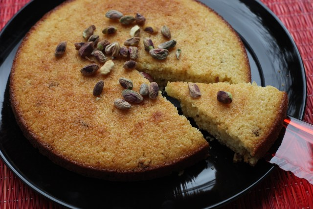 Roath - a gently spiced semolina cake