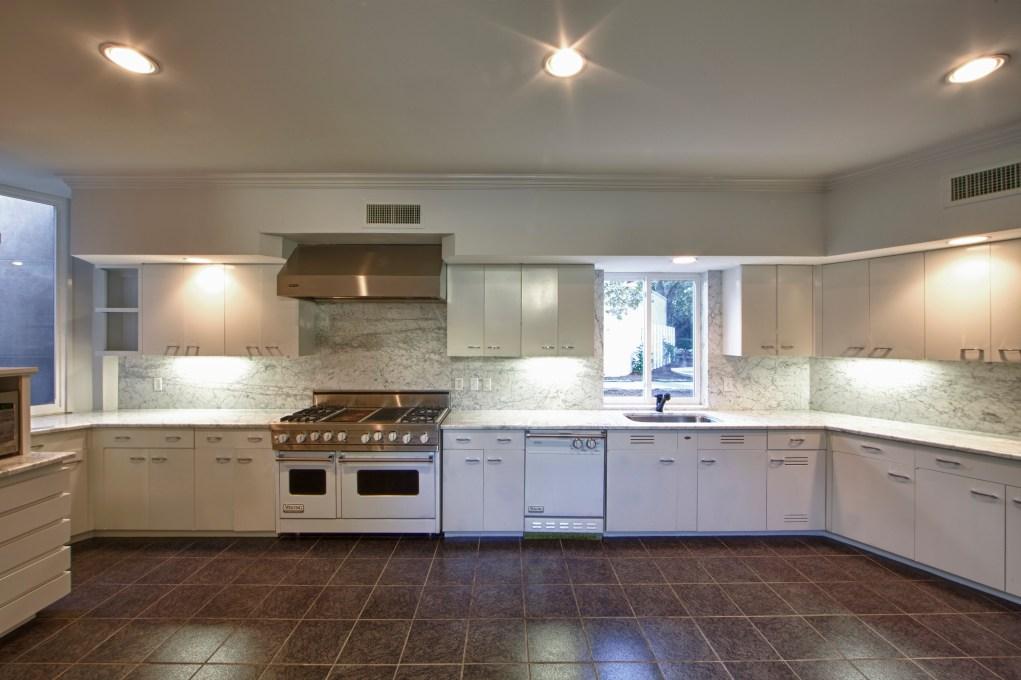 Kitchen of Charron House, Fort Worth, TX 2014