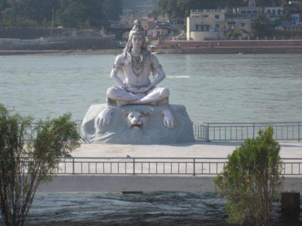 Maha Shiva am Ganges