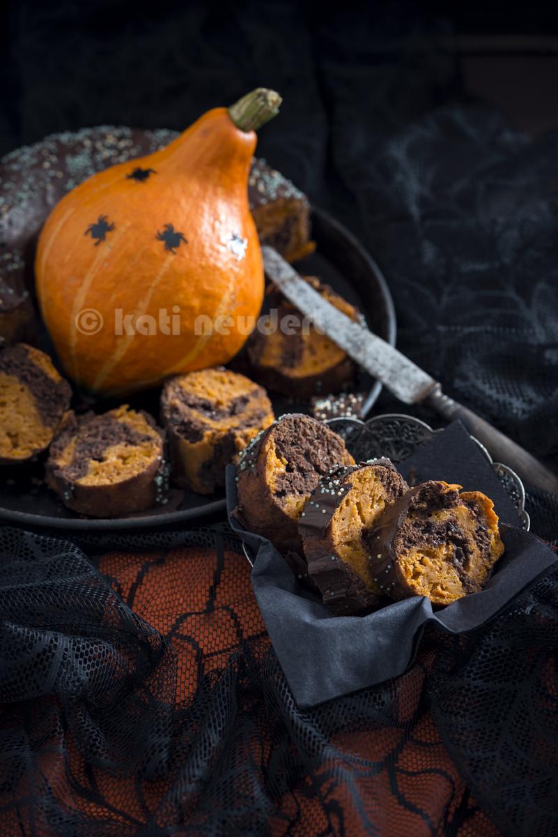 Hokkaido-Schokoladen-Kuchen zu Halloween. Vegan.