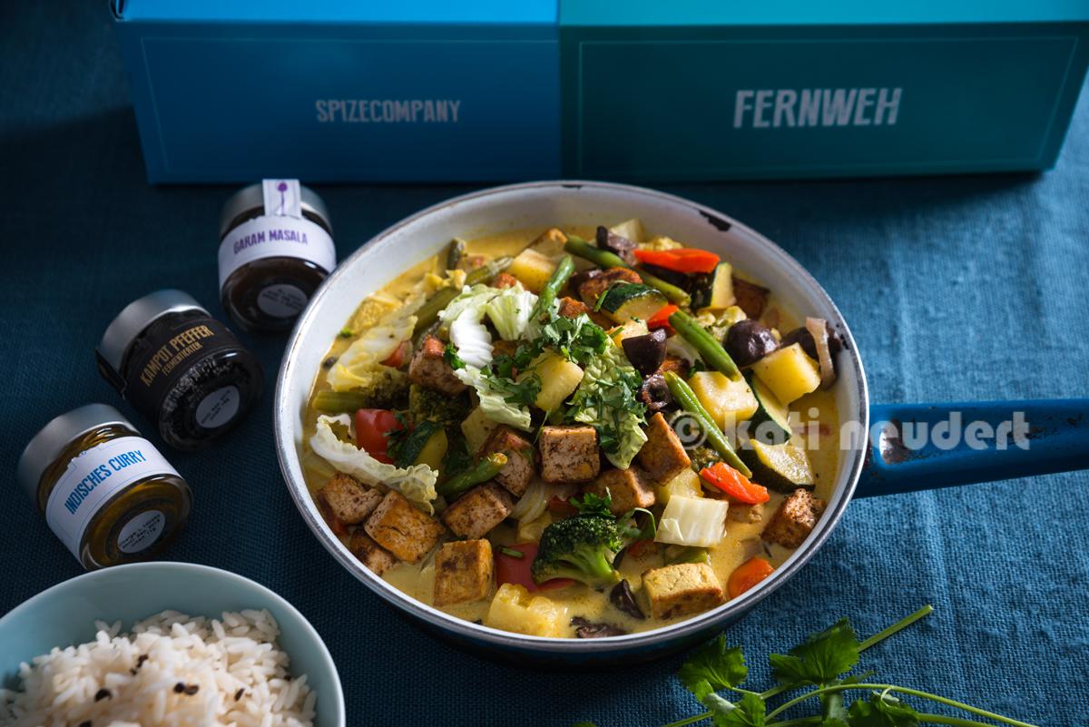 Kokos-Curry mit Tofu und Ananas